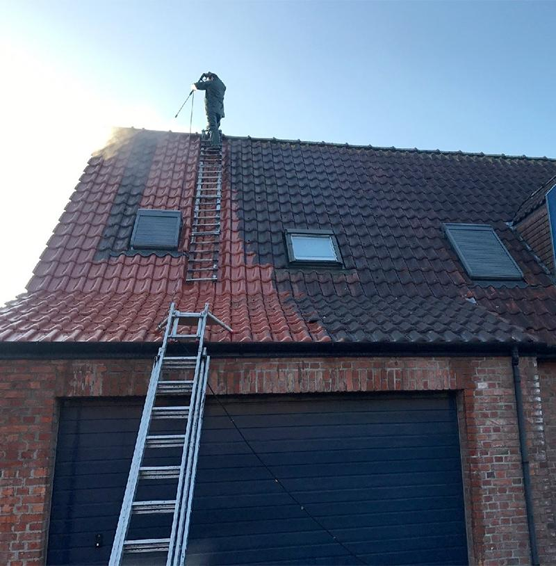 Nettoyage de toiture à haute pression
